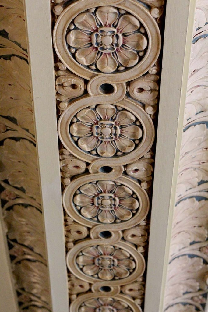 art deco inspired crown molding